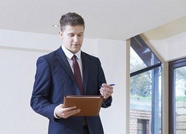 Faire appel à un expert immobilier pour vendre son appartement ?